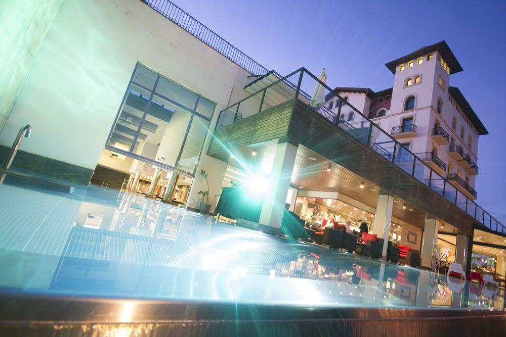 Terrazas de noche con vistas a barcelona les terrassses for Noche hotel barcelona